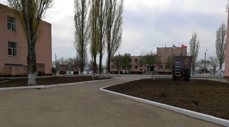 У Миколаєві тривають роботи щодо відновлення військового містечка для бригади морської піхоти (фото)