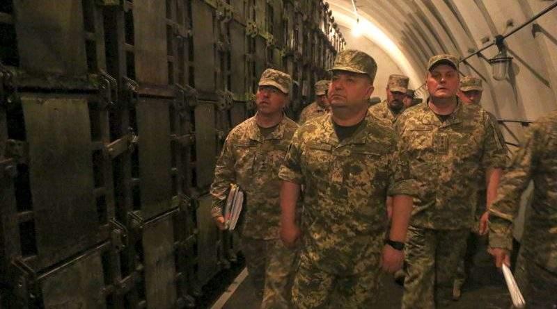 Степан Полторак проінспектував військовий арсенал на Хмельниччині (фото)