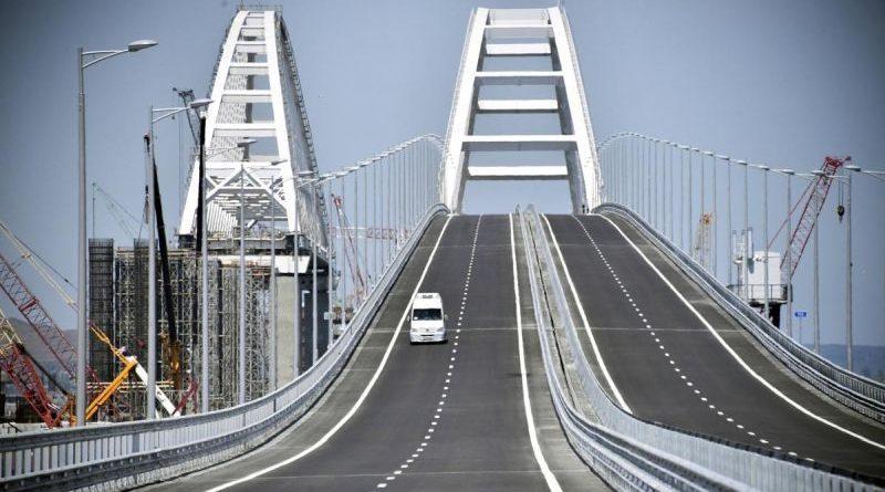 Навіщо відкрили міст у Крим?