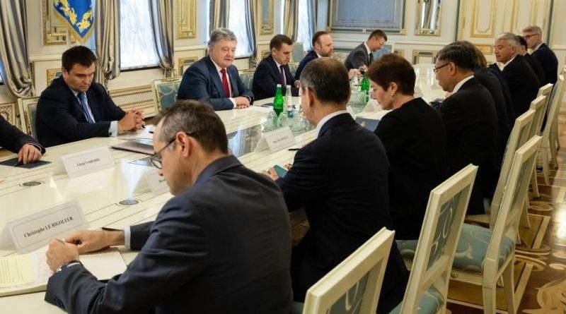 Президент України зустрівся з послами країн Великої сімки та Європейського Союзу (фото)