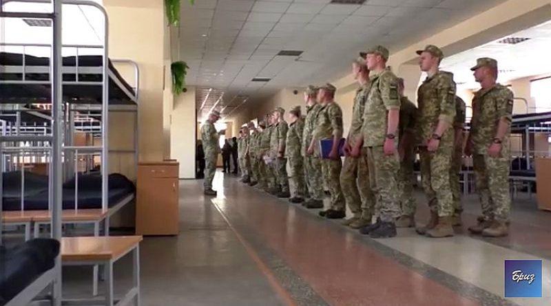 Триває відновлення військового містечка для бригади морської піхоти (відео)