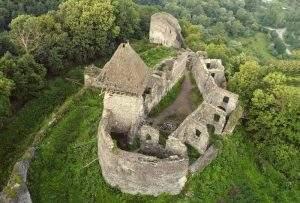 Судом повернуто статус пам'ятки архітектури національного значення Невицькому замку - фортеці XIV століття