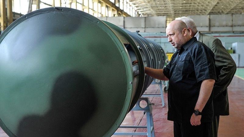 Олександр Турчинов у рамках контролю за реалізацією національної ракетної програми  побував на ДП «ВІЗАР» (відео)
