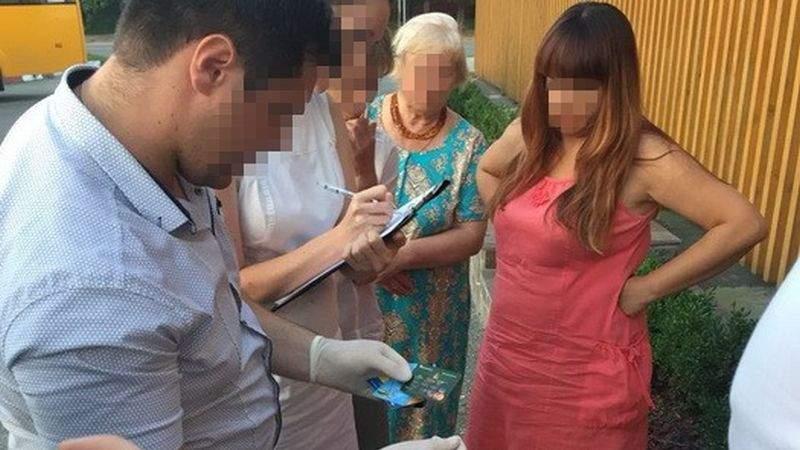 СБУ викрила на хабарах старшого державного інспектора митного поста «Київ-Аеропорт»