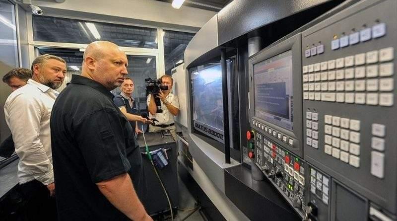 Олександр Турчинов відвідав два підприємства-виробники вертольотів «Чезара» і «Вібстон Аеро» на Київщині (фото, відео)