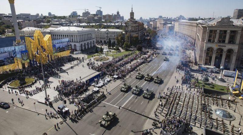 Президент взяв участь в параді військ «Марш нової армії» з нагоди 27-ої річниці Незалежності України (фото, відео)