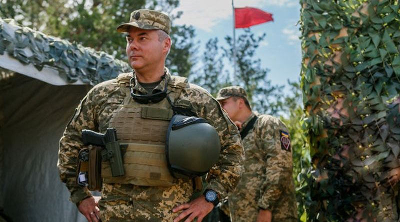 """""""Всі ми є добровольцями"""": інтерв'ю з командувачем Об'єднаних сил Сергієм Наєвим"""
