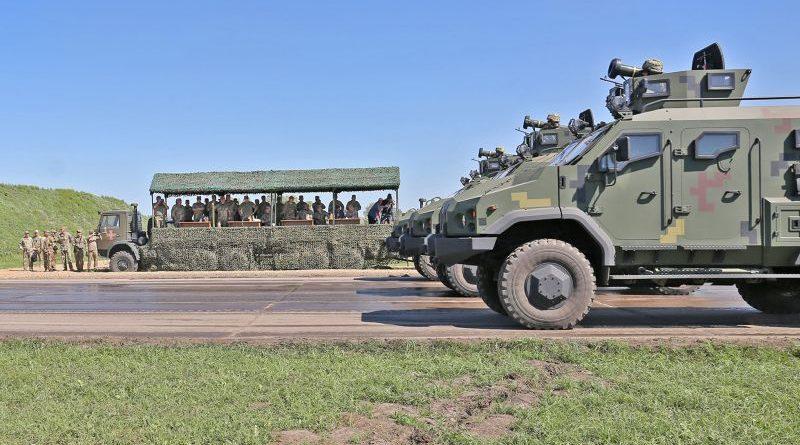 Міністр оборони перевірив готовність військових та техніки ЗСУ до параду на честь Дня Незалежності (фото, відео)
