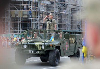 На Хрещатику відбулося вечірнє тренування військового параду (фото, відео)