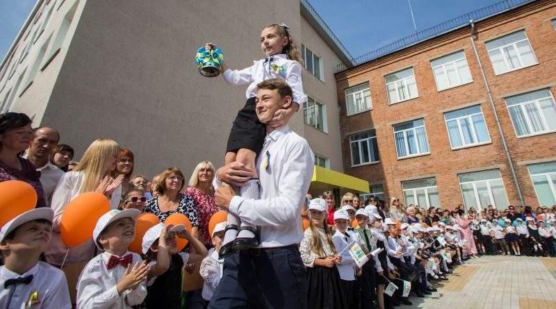 Робоча поїздка Марини Порошенко та Геннадія Зубка на Житомирщину (фото)