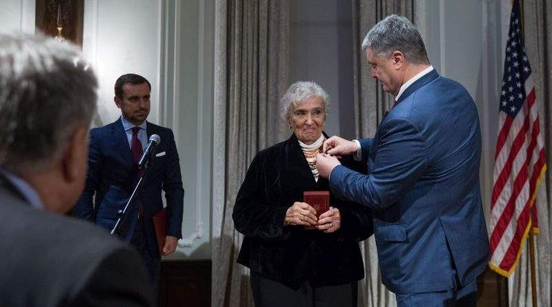 Петро Порошенко разом з дружиною Мариною Порошенко зустрівся з лідерами української громади в США (фото, відео)