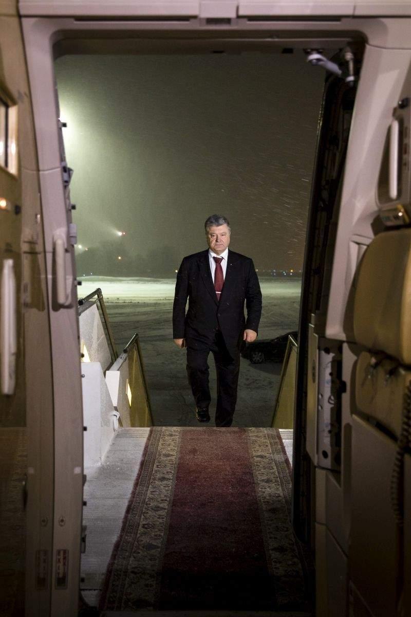 Президент відбув з робочим візитом до Брюсселя (відео)
