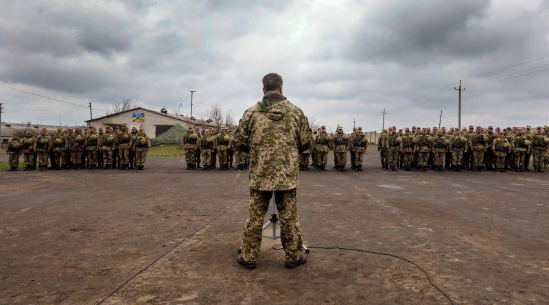 Що дав воєнний стан Україні?