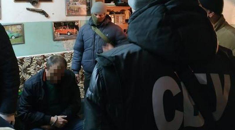У Миколаєві СБУ попередила збут потужної вибухової речовини пластид (фото)