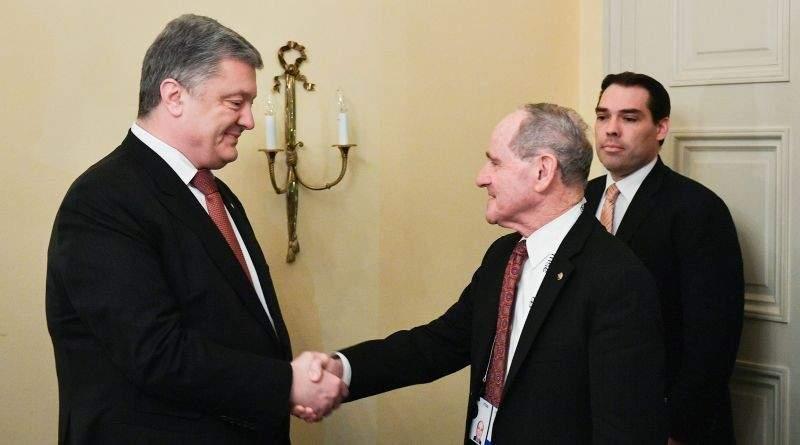 Президент України зустрівся з Головою Комітету Сенату США із закордонних відносин (фото)