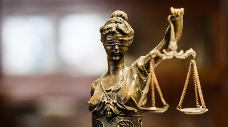Без вины виноватые Конституционный Суд и злочинна влада