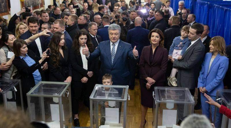 «Я впевнений, Україна переможе» - Петро Порошенко проголосував на виборах Президента України (фото, відео)