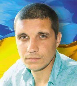 Президент присвоїв звання Герой України військовому Андрію Соколенку та активісту Дмитру Гончаренку посмертно