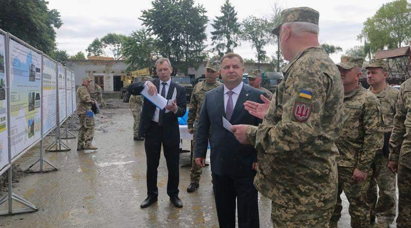 Степан Полторак відвідав 128-у окрему гірсько-штурмову бригаду ЗСУ на Закарпатті (фото)