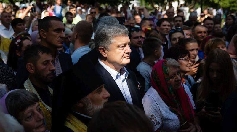 Петро Порошенко привітав українців з Днем Хрещення Русі-України та взяв участь у Хресній ході (фото, відео)