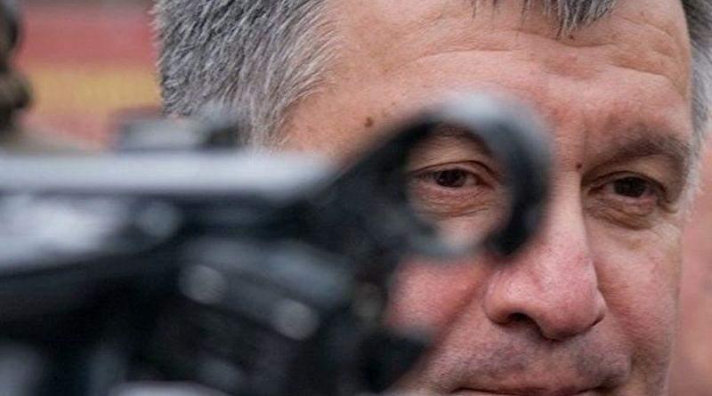 Арсен Борисович, а Вы точно министр МВД?