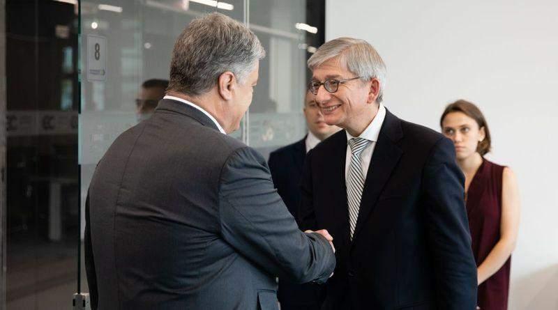 Петро Порошенко зустрівся з головою Міжнародної спостережної місії Світового Конгресу Українців (фото, відео)