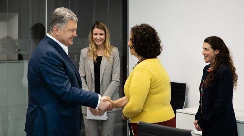 Петро Порошенко зустрівся з новопризначеним послом Великої Британії в Україні Меліндою Сіммонс (фото)