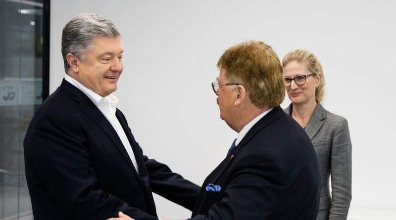Петро Порошенко зустрівся зі Спеціальним радником Президента Європейської Комісії Елмаром Броком (фото)