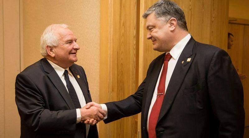 20-21 листопада Петро Порошенко візьме участь у Конгресі ЄНП у Загребі (Хорватія)