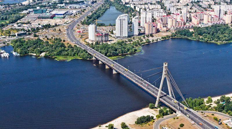 Проспектам Бандери та Шухевича в Києві бути!