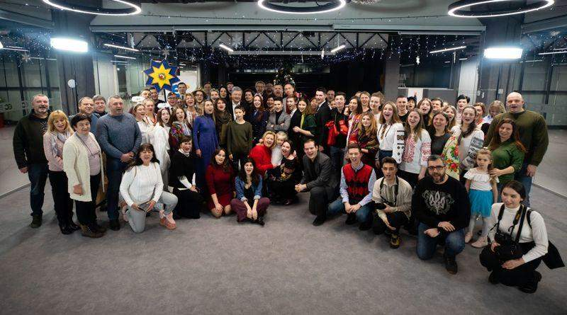 До офісу Європейської Солідарності завітав різдвяний вертеп з Києво-Могилянської академії (фото, відео)