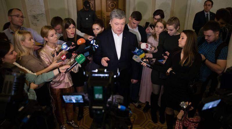 Петро Порошенко в кулуарах Верховної Ради дав інтерв'ю українським ЗМІ (фото, відео)