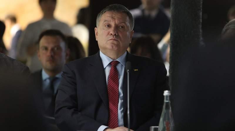 Ще Арсен Борисович чи вже Лаврентій Павлович?