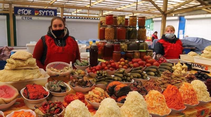 Кабмін підтримав відновлення роботи продовольчих ринків в Україні