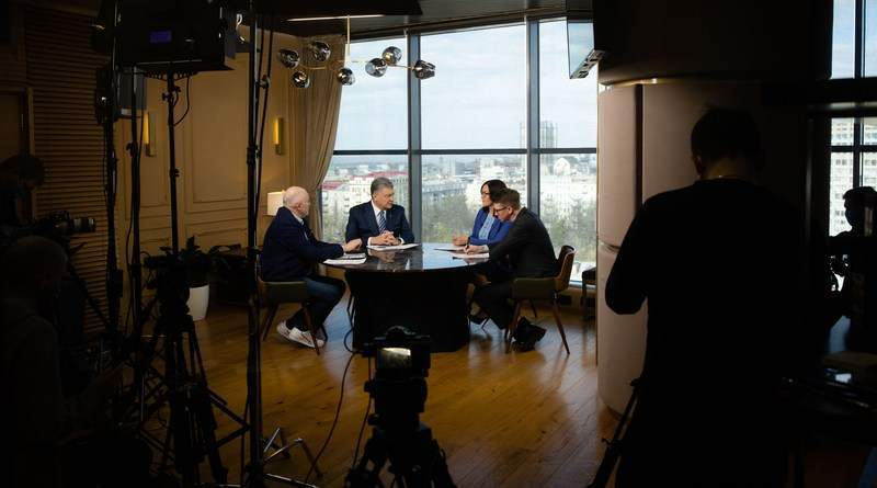 Ексклюзивне інтерв'ю Петра Порошенка телеканалам «Прямий», «Еспресо» та «5 канал» (фото, відео)