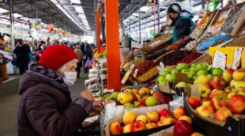 Уряд дозволить працювати низці продовольчих ринків