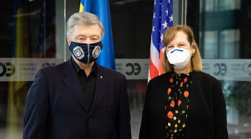 Петро Порошенко зустрівся з Тимчасовим повіреним США в Україні Крістіною Квін