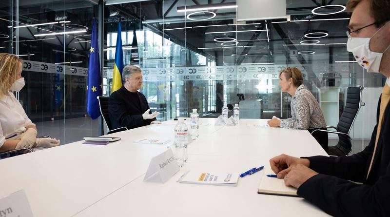 Петро Порошенко зустрівся з Послом Німеччини в Україні Анкою Фельдгузен (фото)
