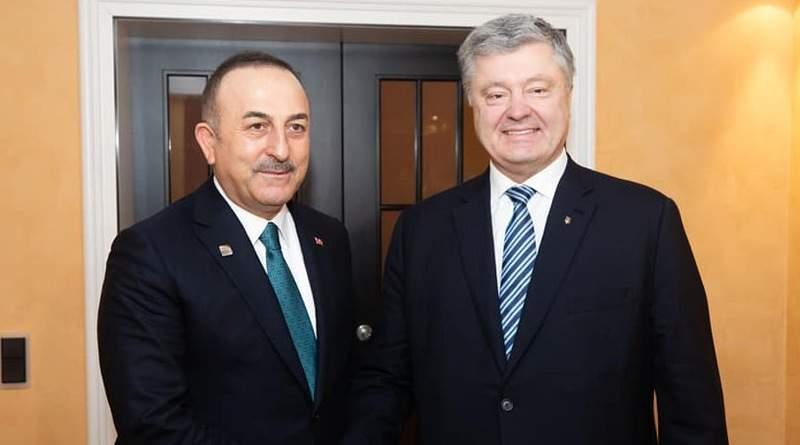 Відбулась телефонна бесіда Петра Порошенка з Міністром закордонних справ Туреччини Мевлютом Чавушоглу