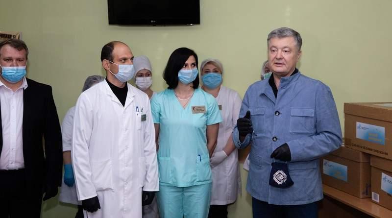 Петро Порошенко передав 5 тисяч ІФА-тестів Вінницькому лікувально-діагностичному центру (фото, відео)