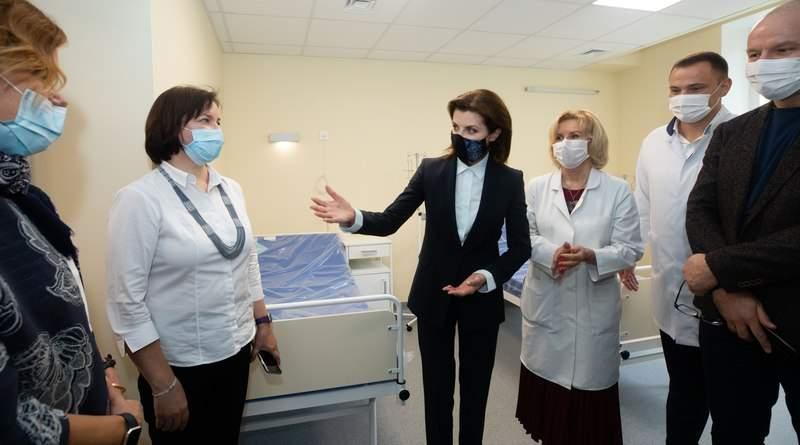 Марина Порошенко відвідала Національний інститут раку (фото, відео)