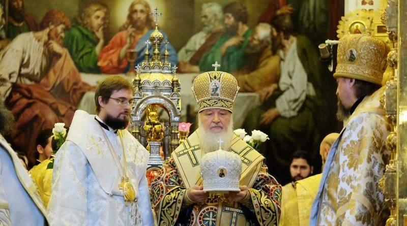 Ось така церква зараз в Україні контролює українські святині