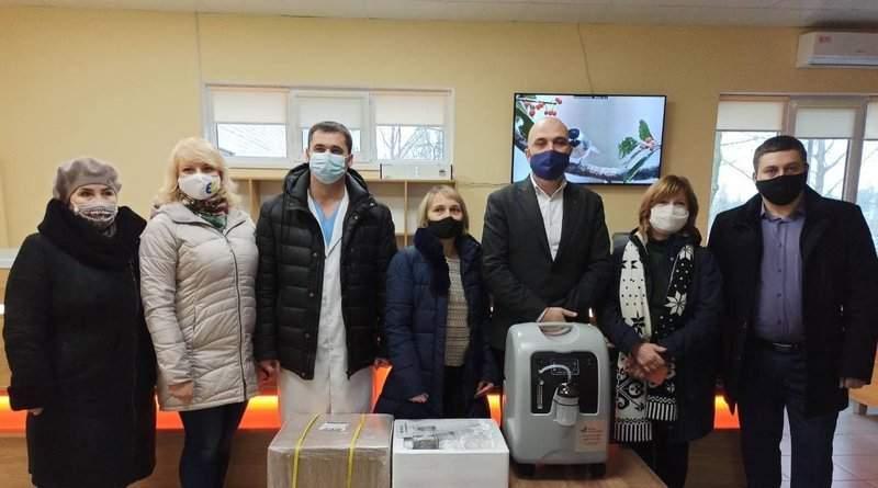 Лікарні Запорізької області отримали кисневі концентратори від Фонду Порошенка (фото)