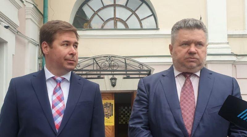 ДБР має негайно закрити справу проти Порошенка, яка вже «тихо здулася» – адвокати Порошенка (відео, брифінг)