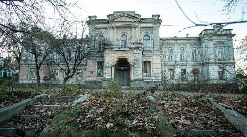 А ваш депутат готовий стати співучасником нищення української культури?